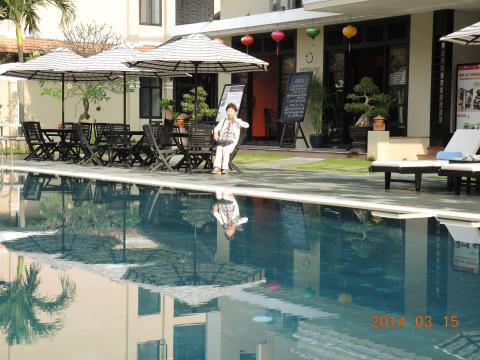 プールも備えたホイアンのホテル