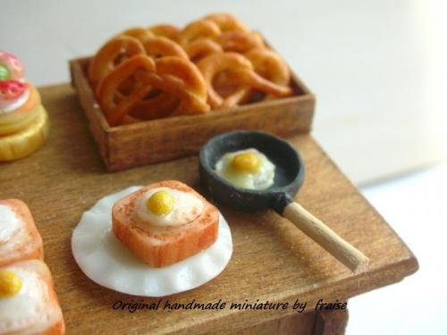目玉焼き食パン28