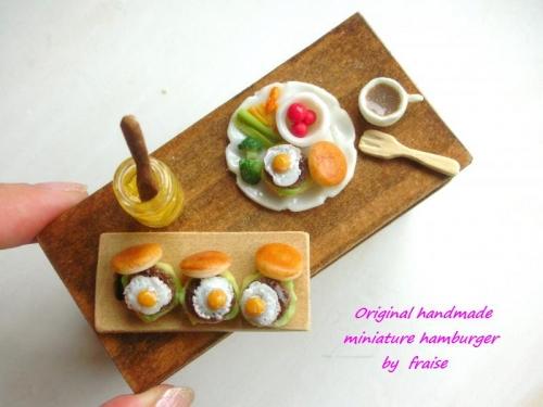 目玉焼きハンバーガー2