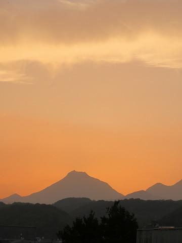連山の夕焼