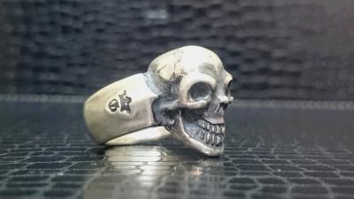 Single_skull_ring_002-003.jpg