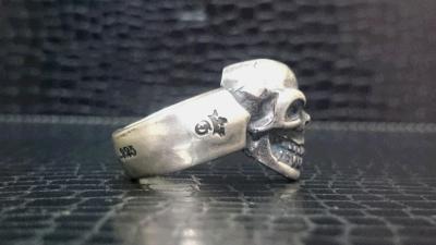 Single_skull_ring_002-006.jpg
