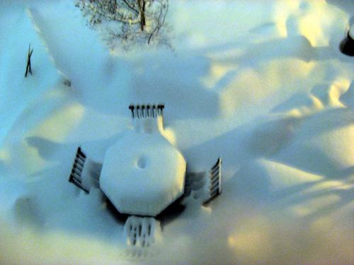 夜に降り続く雪-3