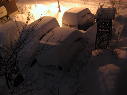 夜に降り続く雪-5