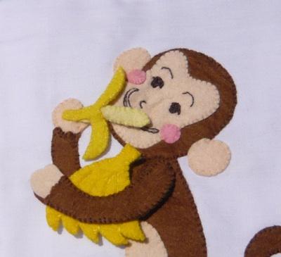 だあれだ バナナを食べる