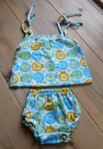 赤ちゃん服 260810