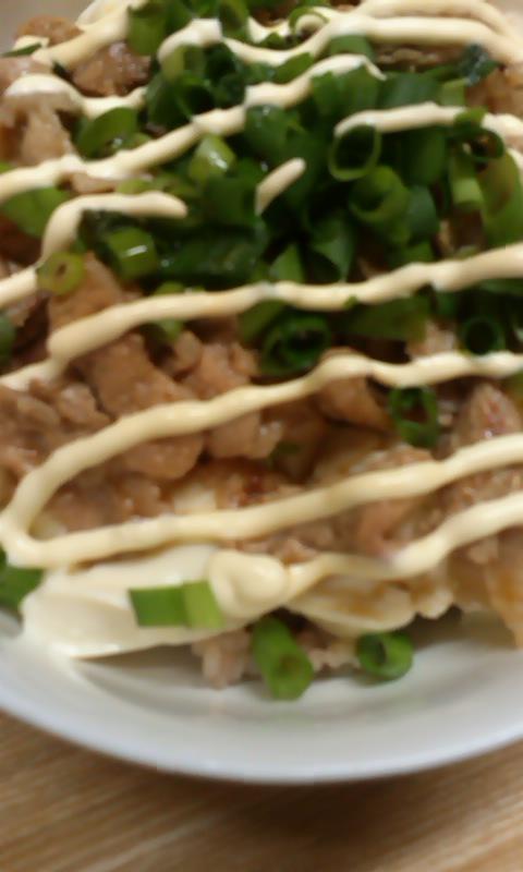 豆腐と豚のネギマヨボンす丼