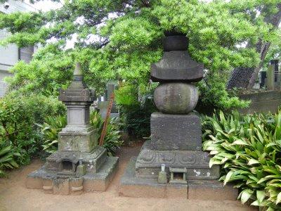 五輪塔&宝篋印塔(西福寺)