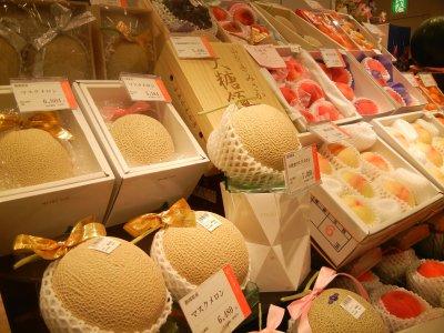大糖領桃・販売コーナー