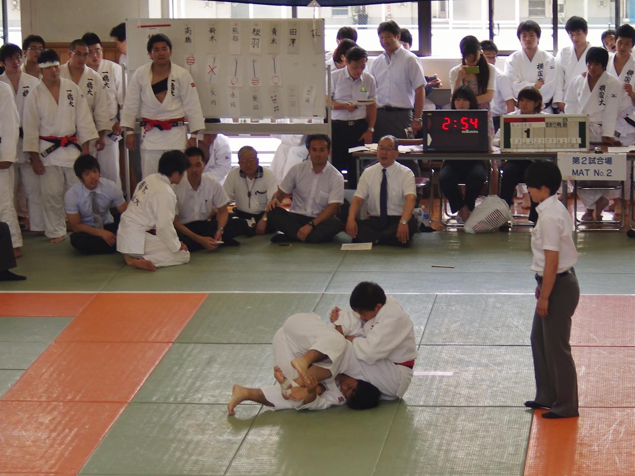 140706全国国立 (2)vs岡山~田澤・寝技で攻める.jpg