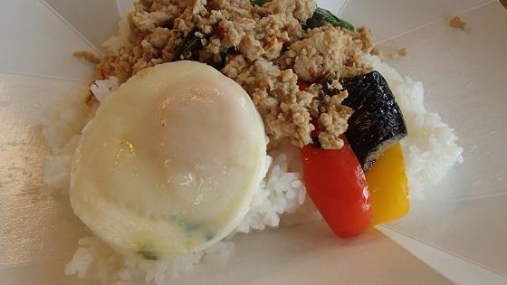 鶏バジルご飯 (4)