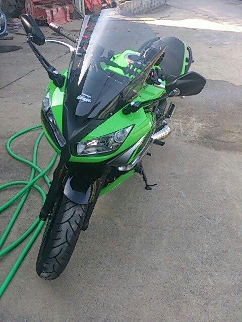 洗車後のバイク