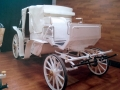 白オープン馬車