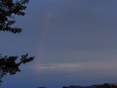 反対側からの虹
