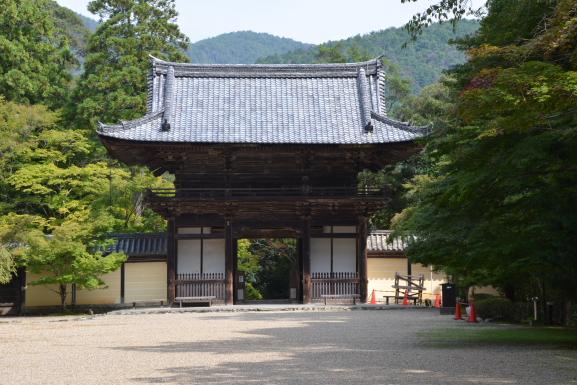 楼門(境内から)