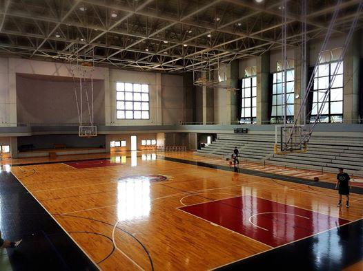 山銀体育館
