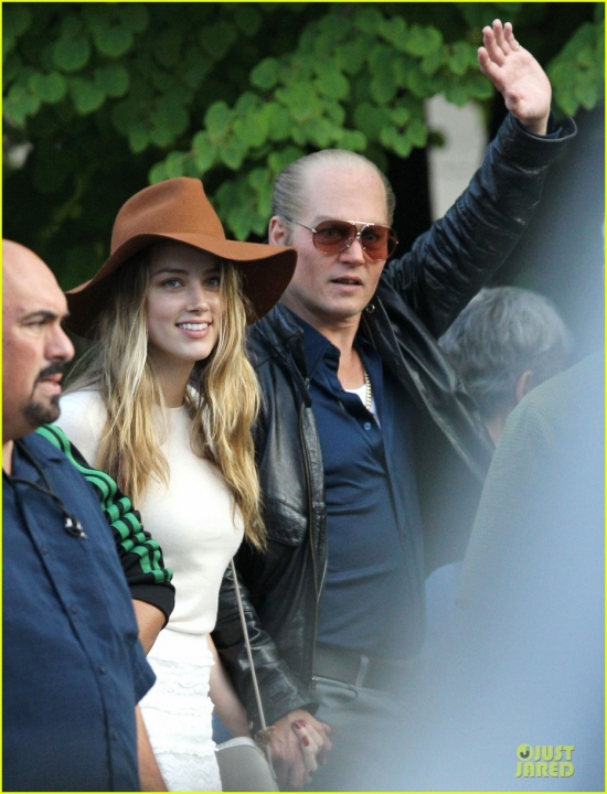 amber-heard-visits-johnny-depp-on-last-day-of-black-mass-filming-02.jpg