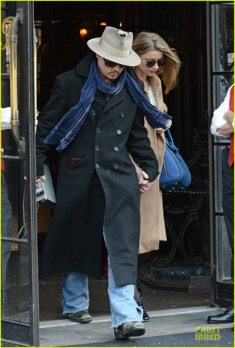 johnny-depp-amber-heard-hold-on-tight-in-nyc-01.jpg