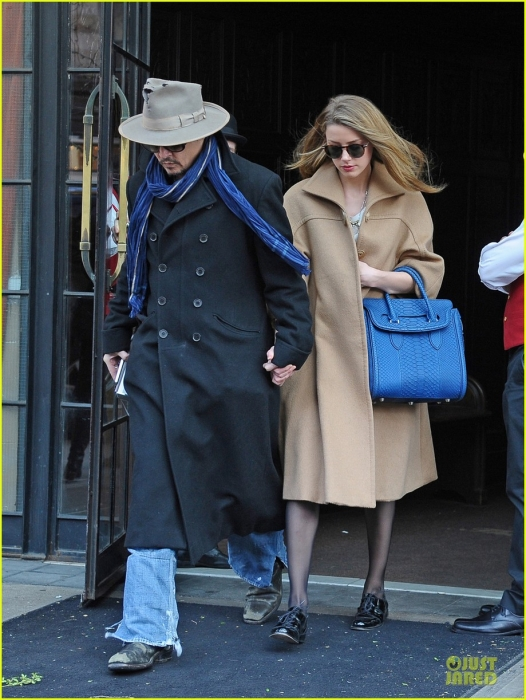 johnny-depp-amber-heard-hold-on-tight-in-nyc-03.jpg