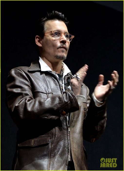 johnny-depp-cinemacon-transcendence-09.jpg