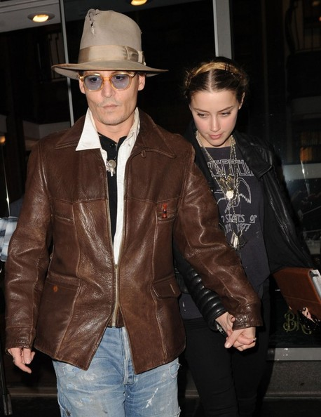johnny-depp-meets-amber-heard-at-a-rare-book-shop-on-her-birthday_22.jpg