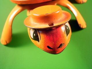 オレンジ帽のカメ ゼンマイ玩具