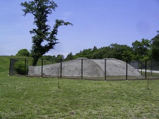 大沢2号掩体壕側面