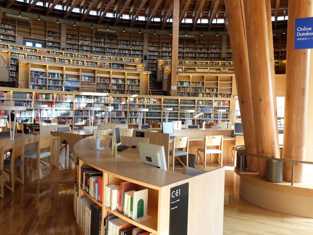 国際教養大学図書館05