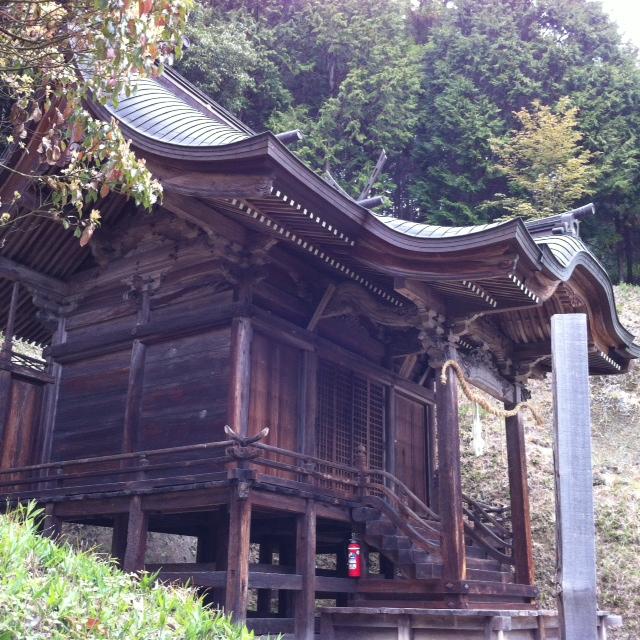 本神殿横3