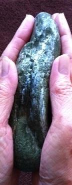濡れた石 2