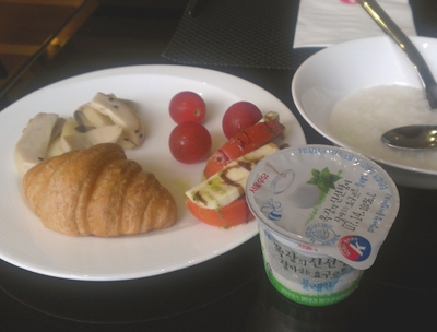 korea_hotel_breakfast_140725.jpg