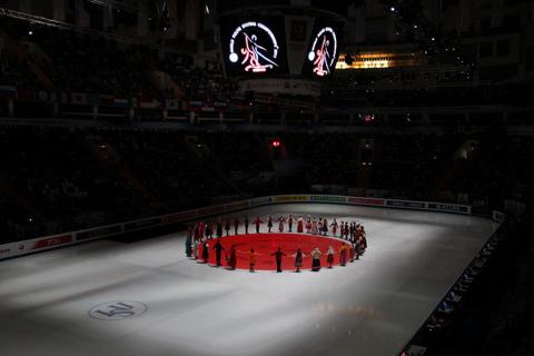 2011ロシア日の丸黙祷