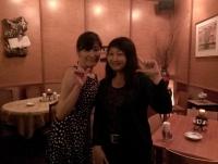 201479もりのいえ圭子さんとポーズ