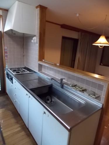 1階リビングのキッチン