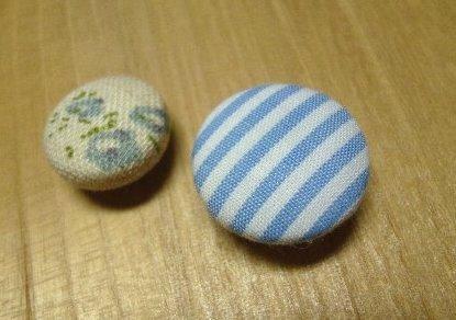 くるみボタンのマグネット大小