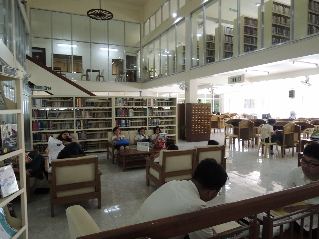 Library (23)