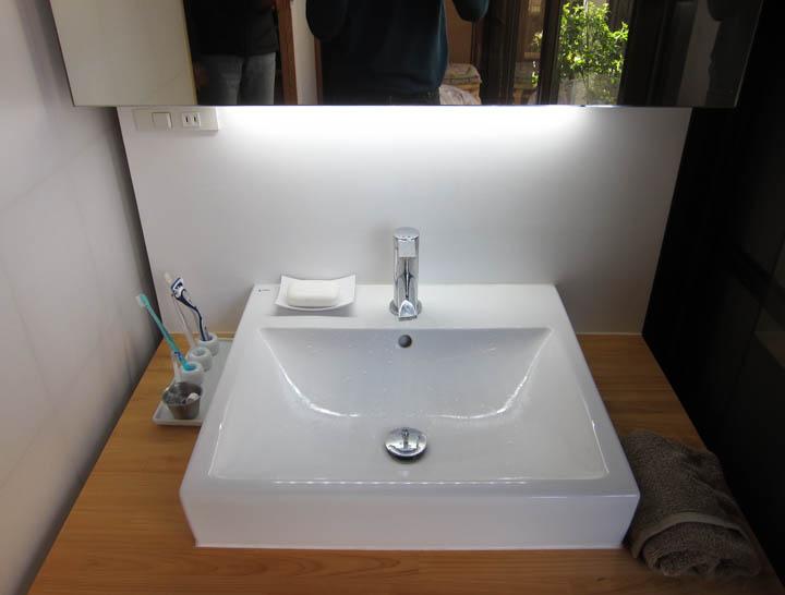 washstand19.jpg