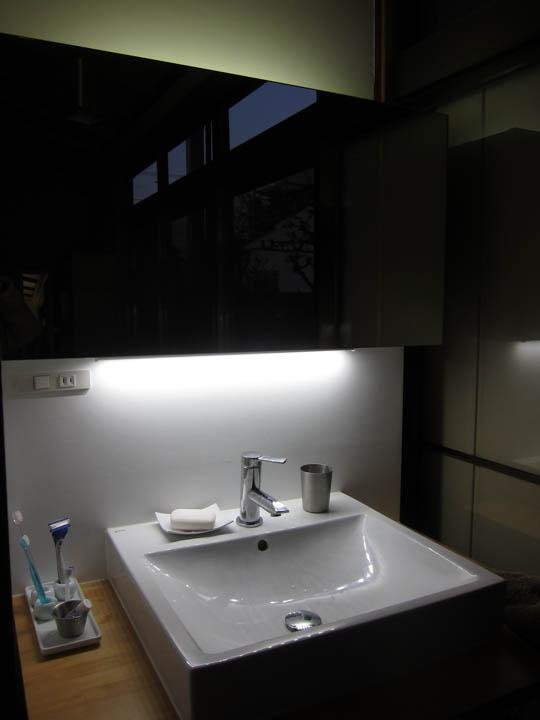 washstand24.jpg