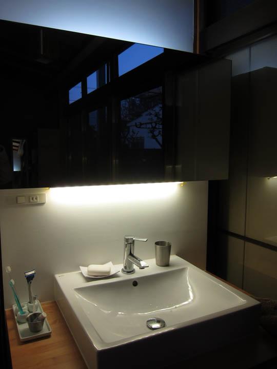 washstand25.jpg