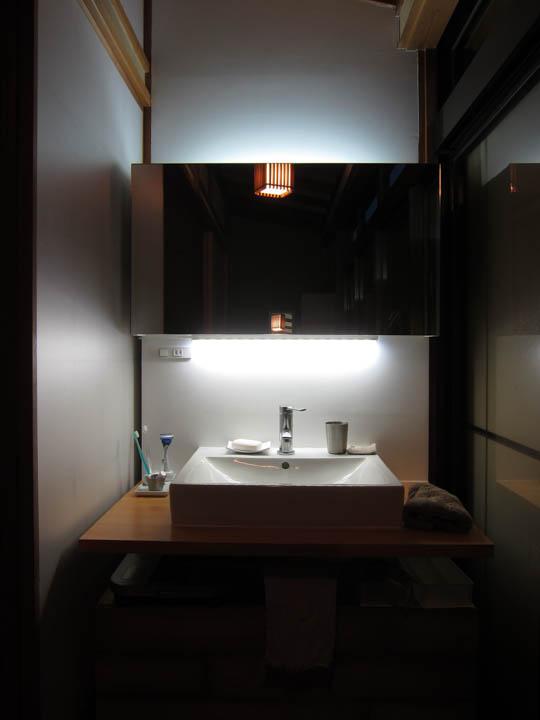 washstand30.jpg
