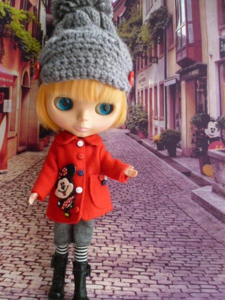ミニーちゃんのコート♪