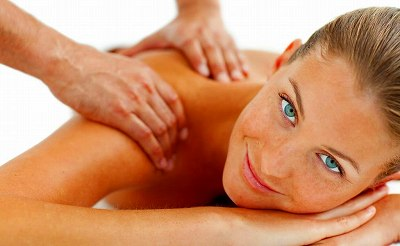 s-Woman Shoulder Massage