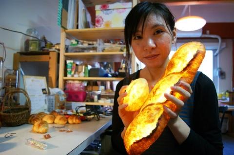 「モリタ製パン所」工芸作家の森田優希子さん。