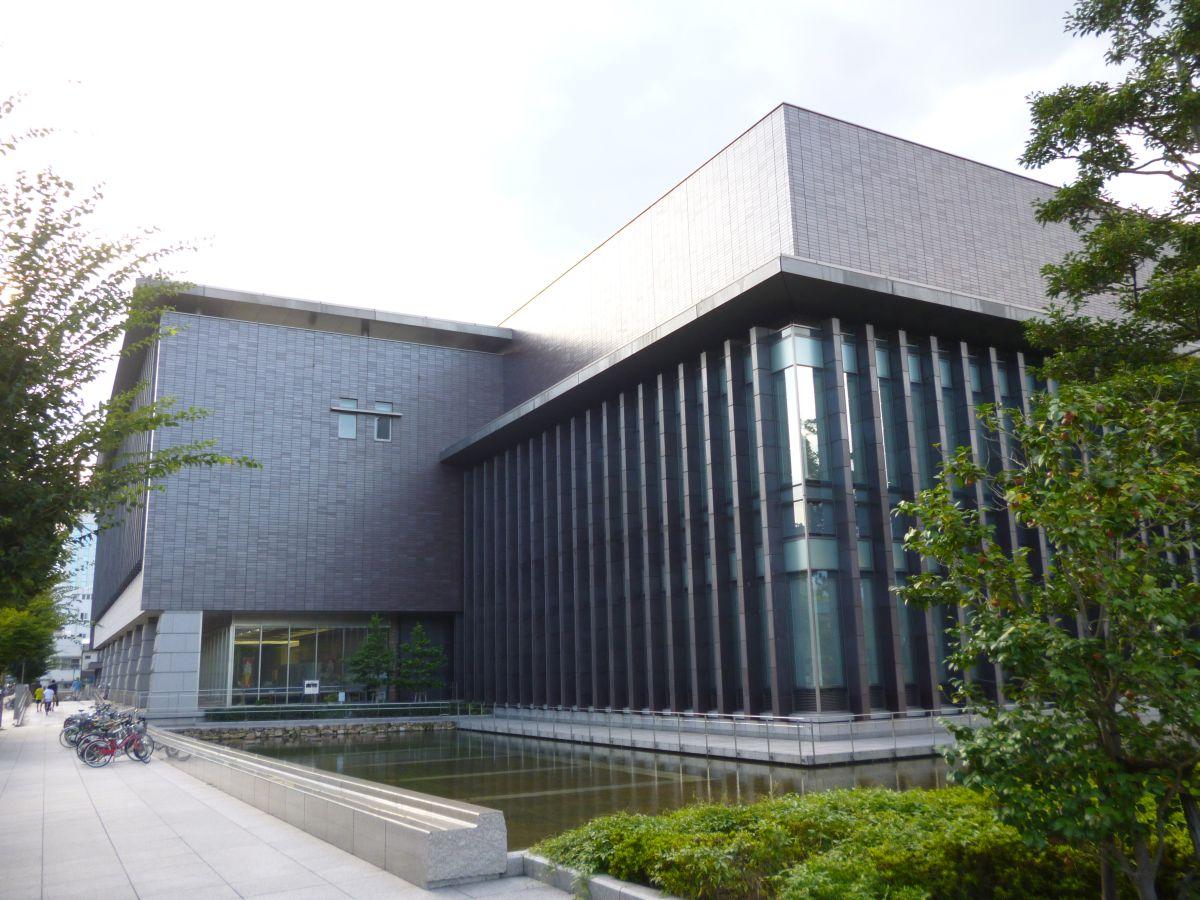 岡山県立図書館外観