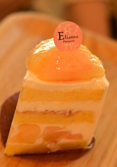 【ケーキ】エチエンヌ「桃のショートケーキ」