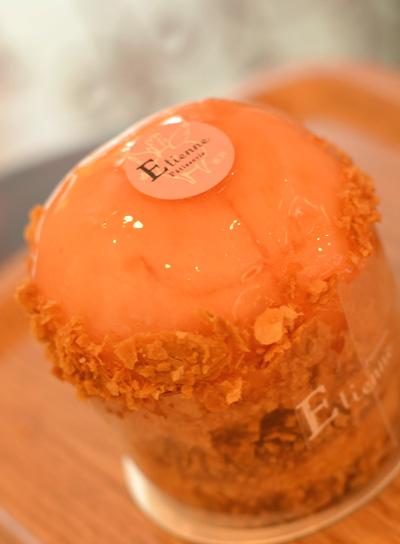 【ケーキ】エチエンヌ「桃のパイ」 (1)