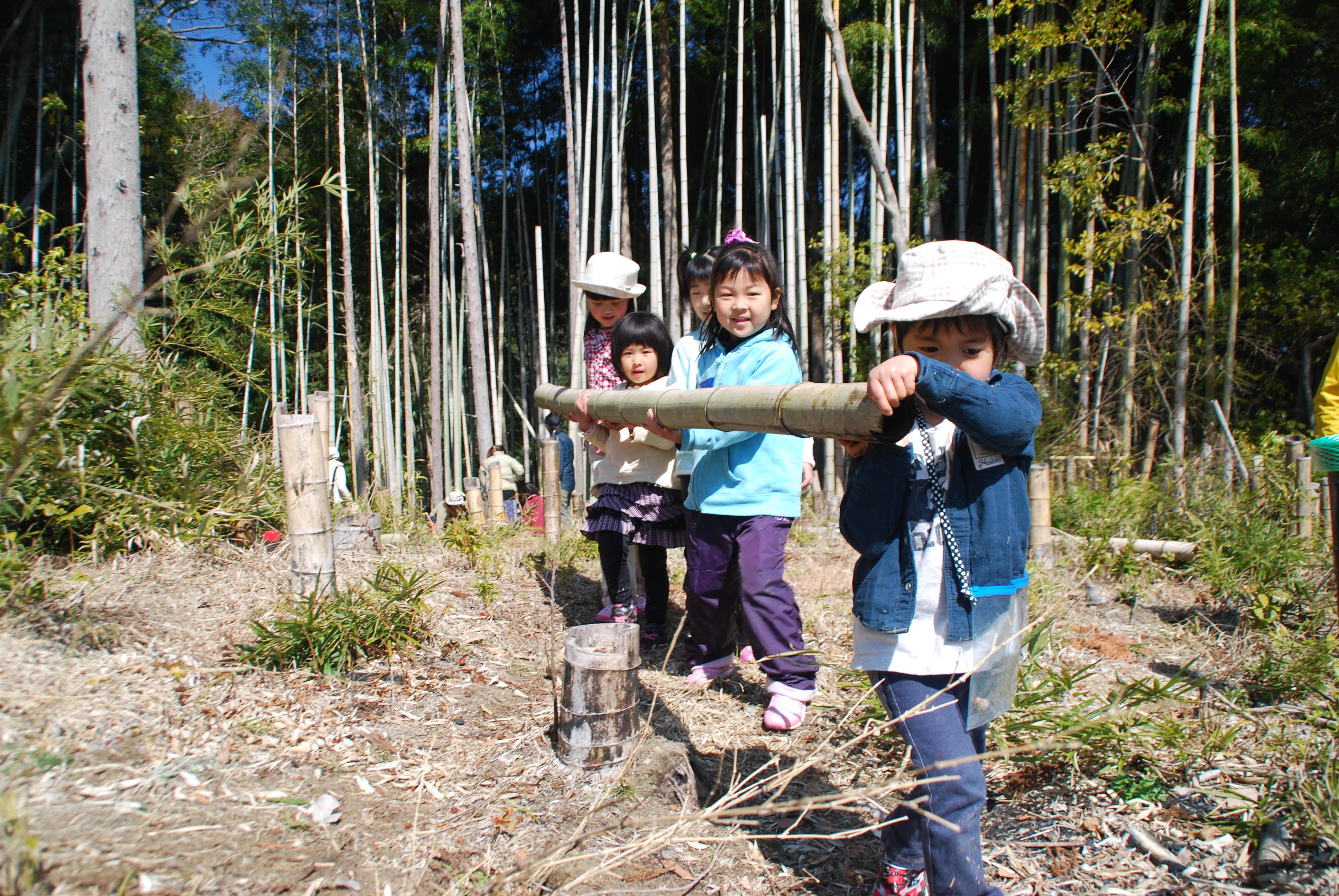 140308森と寺子屋のようちえん 竹ティピー (10)