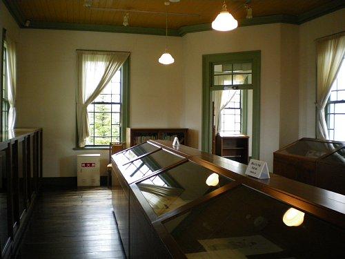旧弘前市立図書館・2F閲覧室