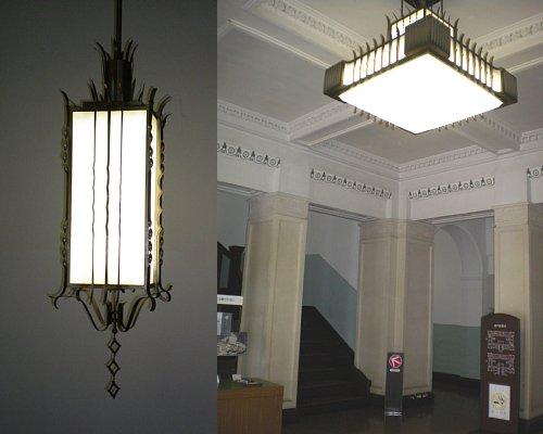 山口県・旧県庁舎玄関