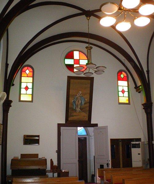 カトリック弘前教会・聖堂内3